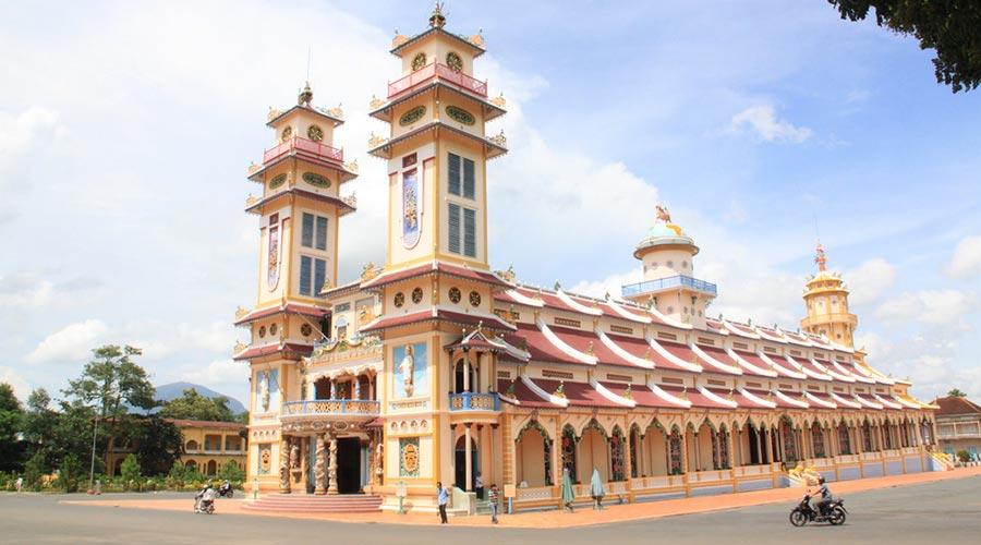 Coa Dai temple