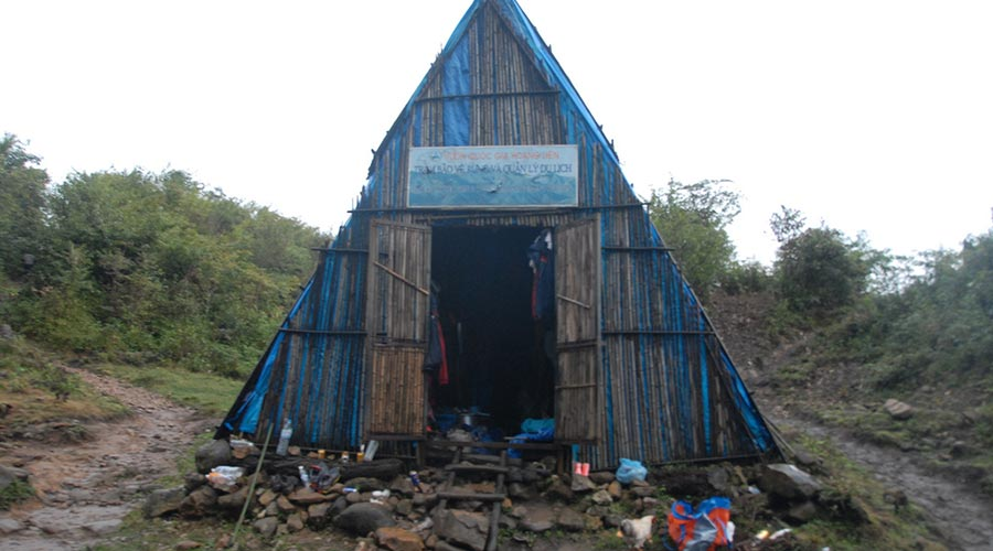 Fansipan sleeping hut
