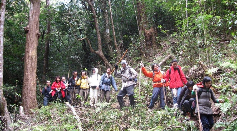 Group Fansipan trekking