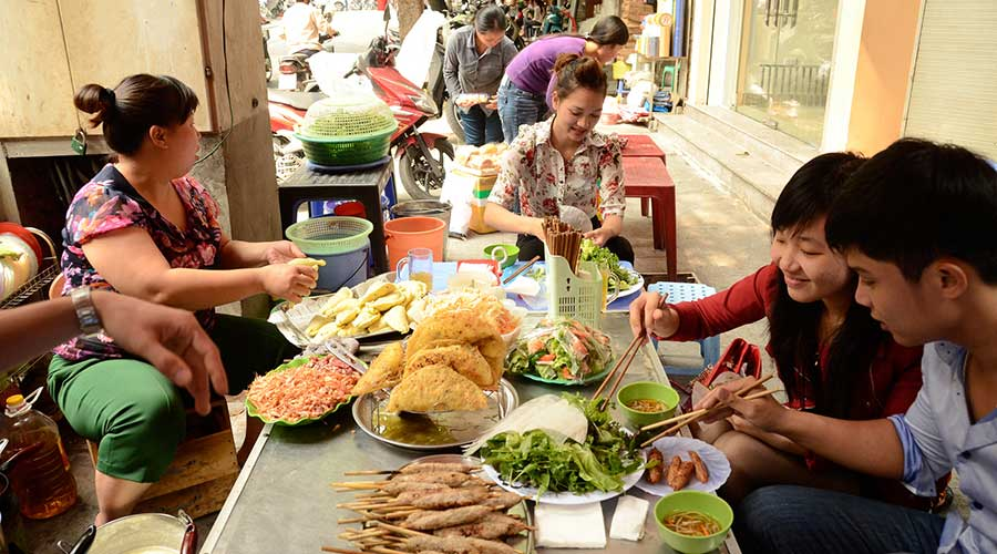 Hanoi eating street food