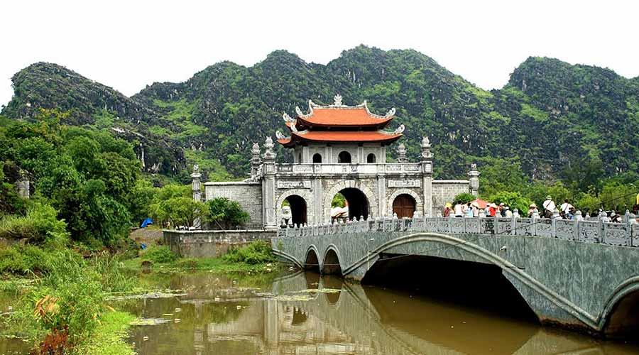 Hoa Lu bridge