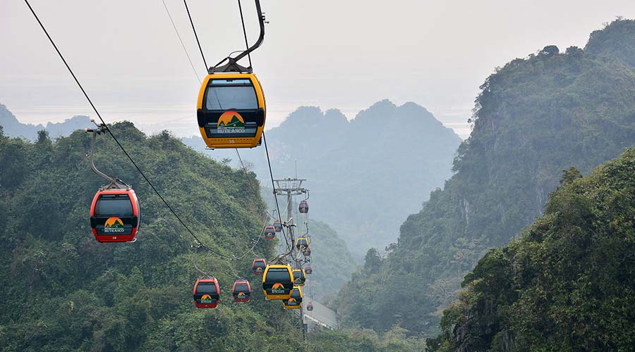 Huong Tich mountain cable car