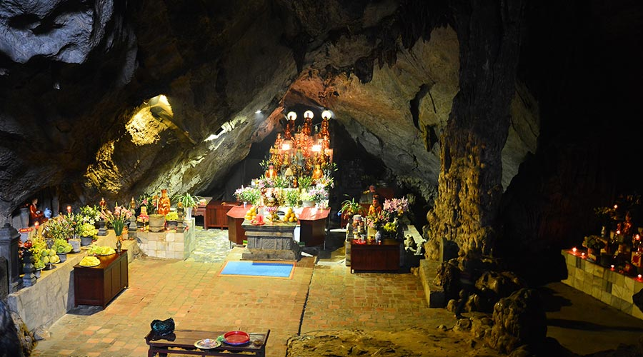 inside Huong Tich cave