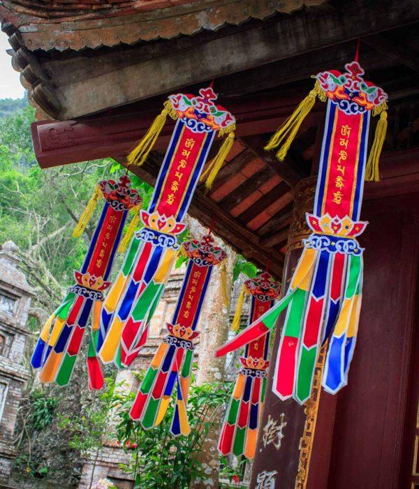 Perfume pagoda Hanoi tour