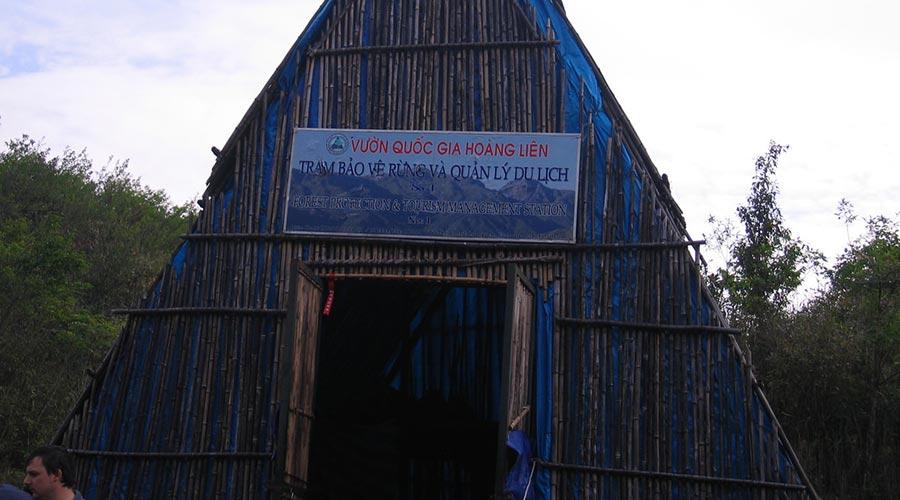 sleeping hut Fansipan