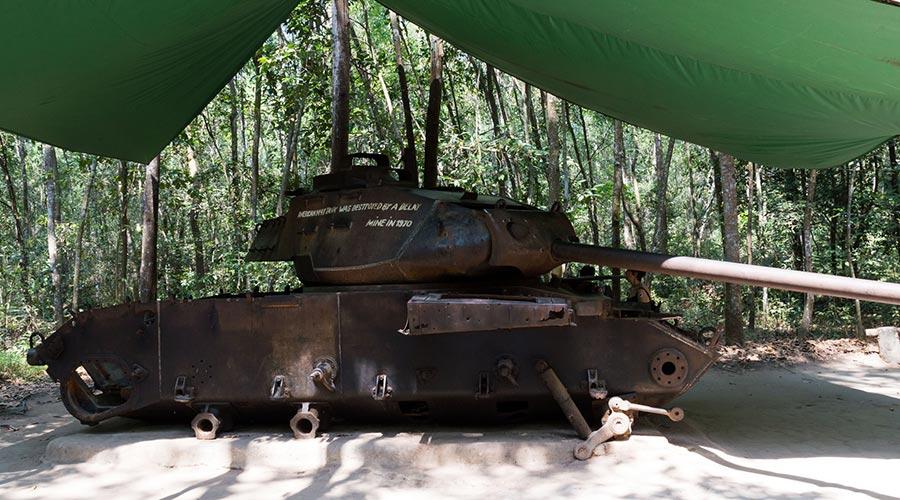 Tank Cu Chi tunnels