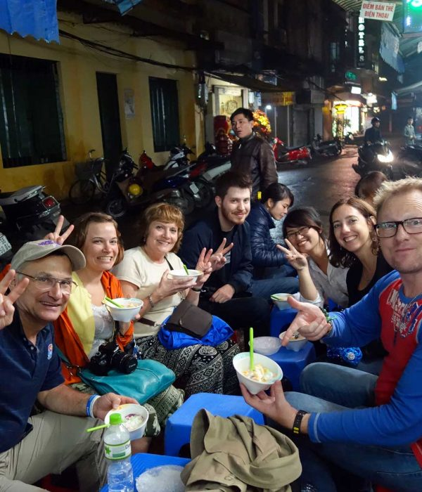tours street food in Hanoi