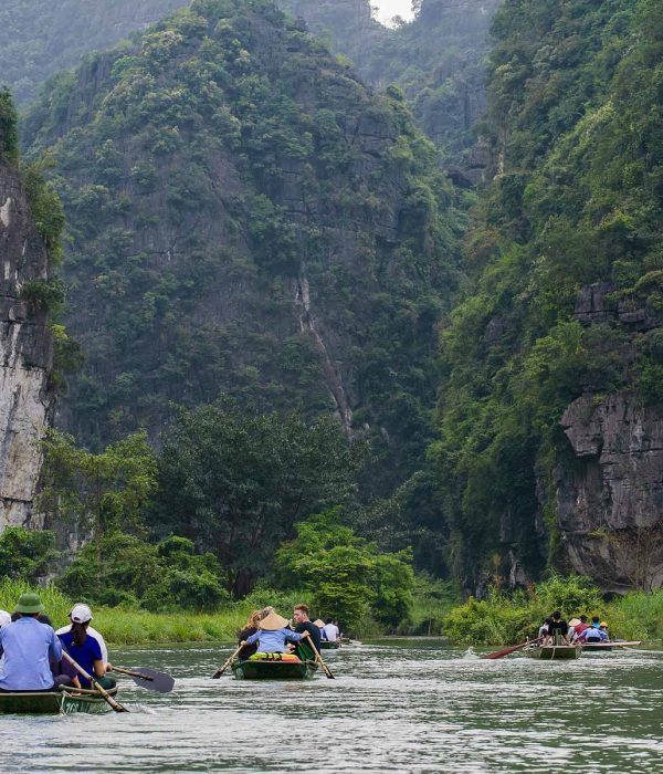 Trang An tour from Hanoi