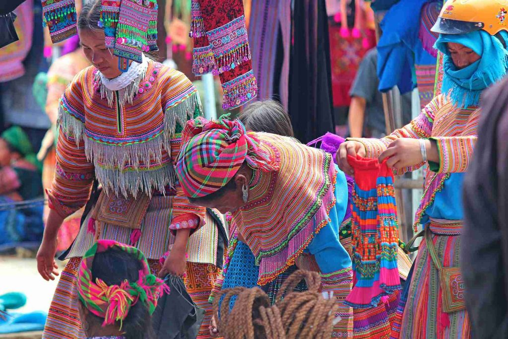 day tour to Bac Ha Market