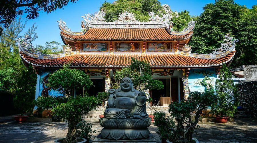 Marble Mountain pagoda