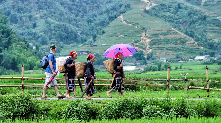 Ta Phin minority trekking