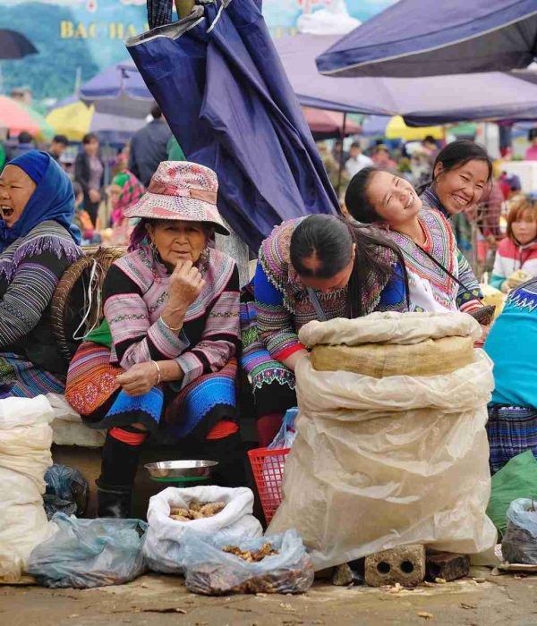 tour to Bac Ha Market